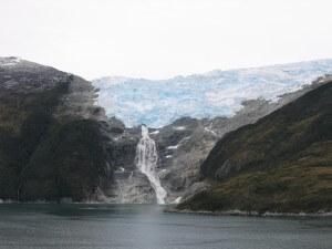 Chile_Wasserfall-Gletscher