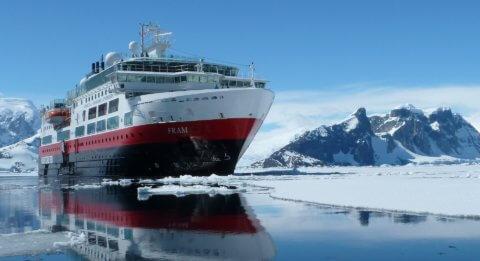 MS FRAM in der Antarktis