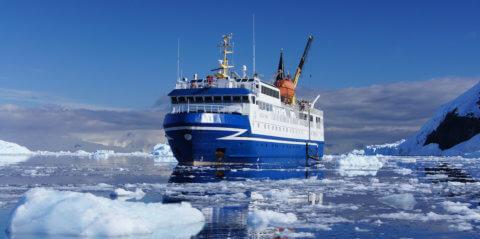 MS Ocean Nova in der Antarktis