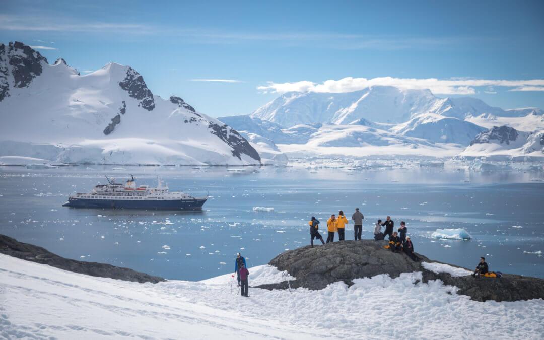 Jahrhundertreise: Die Totale Sonnenfinsternis in der Antarktis erleben