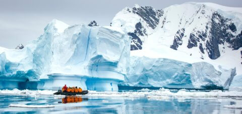 Antarctic Explorer: Discovering the 7th Continent mit der MS World Explorer und MS Ocean Adventurer und MS Ocean Diamond