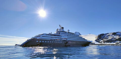 MS Scenic Eclipse in der Antarktis