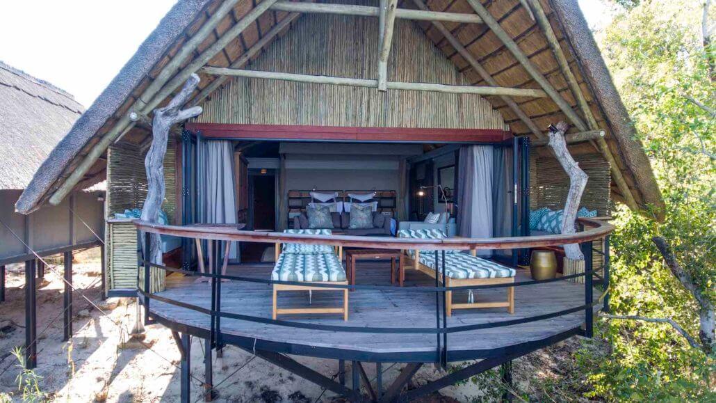 Blick auf die Villa vom Chobe River - Chobe Water Villas, Namibia