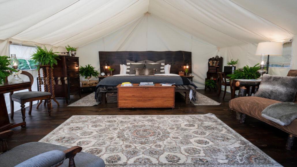 Clayoquot Wilderness Resort_Sunrise Waterfront Deluxe-Zelt
