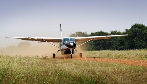Landung der Cessna-Caravan auf SkySafari in Tansania