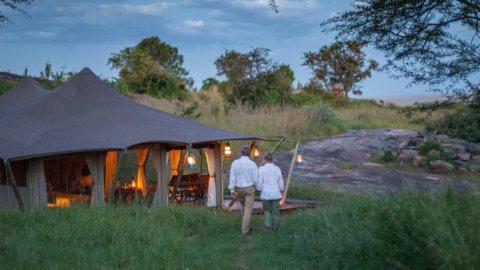 Außenansicht des Zeltes - Elewana Serengeti Pioneer, Tansania