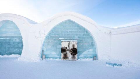 Eingang des Icehotels - ICEHOTEL, Schweden