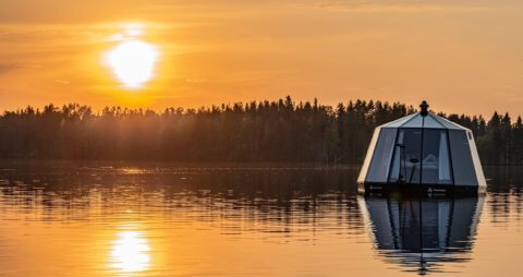 Sonnenuntergang mit Aurorahut - Arctic Guesthouse, Finnland