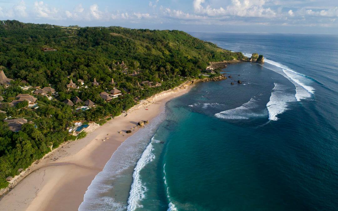 NIHI Sumba – Strohgedeckte Villen mit weitem Ausblick auf den Indischen Ozean