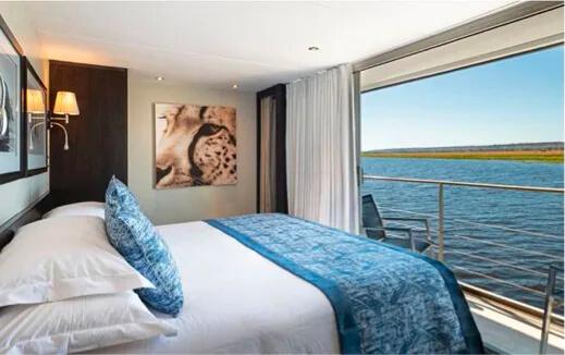 Zambezi Queen, Standard Suite, Namibia, Botswana